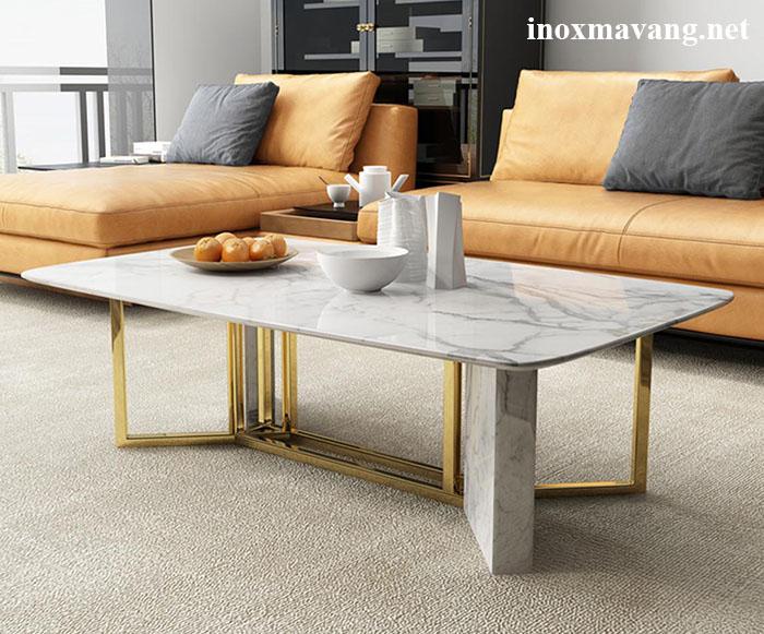 Chân bàn inox mạ vàng kết hợp đá Marble trắng, thiết kế tạo sự hài hoà màu sắc
