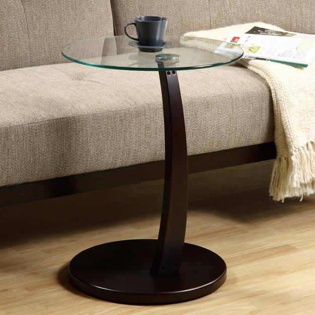 một side table bằng gỗ thiết kế tinh tế